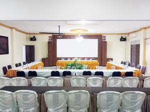 Airy Eco Syariah Kayu Tangi Brigjen Hasan Basri 7 Banjarmasin - Meeting Room