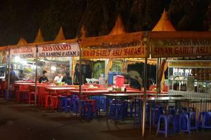 Two Nine Apartment Bekasi - Kulinary daerah depan apartemen terbuka sampai 12.00 WIB