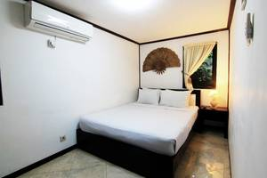 Royal Caravan Hotel Mojokerto - Kamar Deluxe