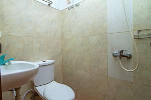 RedDoorz at Setiabudi - Kamar mandi