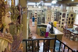 Taman Harum Cottages Bali - Galeri ukiran kayu