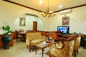 Hotel Dana Solo Solo - Ruang tamu
