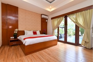 RedDoorz Plus near Pandawa Beach