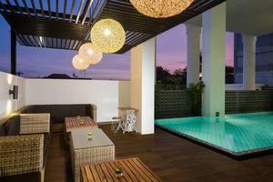 Pesonna Tugu Yogyakarta - Kolam Renang