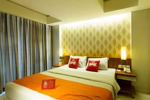 ZenRooms Kuta Sunset Road 2 - Tampak Tempat Tidur Double