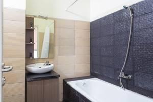 RedDoorz @ Yado Radio Dalam Jakarta - Kamar mandi