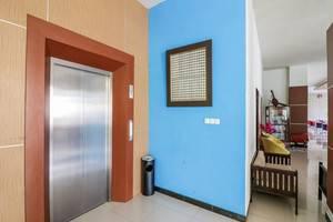 NIDA Rooms Makassar Dr Soetome Makassar - Mengangkat
