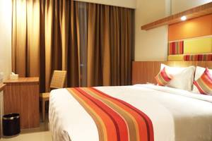 Kyriad Hotel Airport Jakarta - Superior King Bed