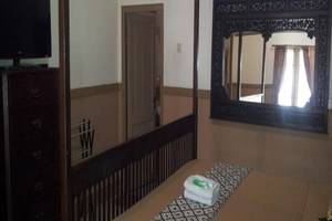 Ndalem Suratin Guest House Yogyakarta - Kamar tamu