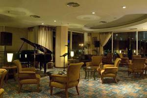 Labersa Grand Hotel Pekanbaru - Lobi