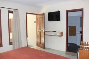 Red Island Jessi's Beach House Banyuwangi - Rooms