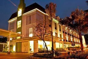 Pomelotel Jakarta - Pemandangan Malam hari