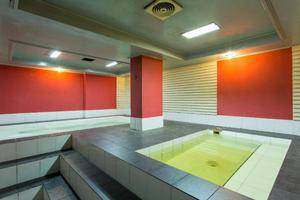 Adika Hotel Bahtera Balikpapan - Swimming Pool