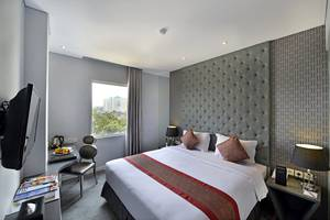 Serela Cihampelas Hotel Bandung - King Sisa Bed