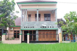 Simply Homy Guest House UTY Jalan Kabupaten