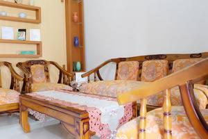 Simply Homy Guest House UTY Jalan Kabupaten Yogyakarta - Living Room