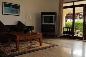 Lombok Beach Villa Senggigi - Ruang tamu
