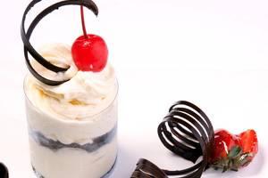 Garden Permata Hotel Bandung - Nicely Cake
