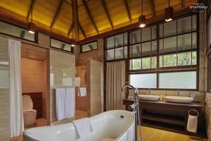 Arumdalu Private Resort Belitung - Bathroom
