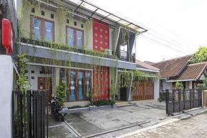 RedDoorz Plus near Hartono Mall Yogyakarta -