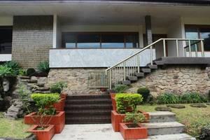 De Dago Pakar Villa by HouseInBandung