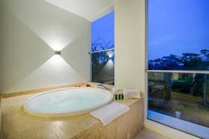 Art Deco Luxury Hotel & Residence Bandung - Jacuzzi