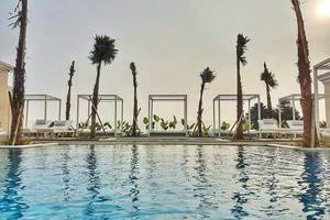 Art Deco Luxury Hotel & Residence Bandung - Swimming Pool