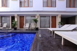 RedDoorz @Lebak Bene 2 Bali - Kolam Renang
