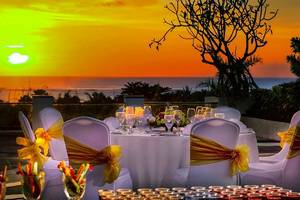 Aston Kuta - Makan malam romantis (high)