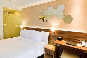 Golden Tulip Essential Tangerang Tangerang - Superior Tempat Tidur Queen