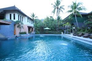 Bakung Beach Resort Bali - Kolam Renang