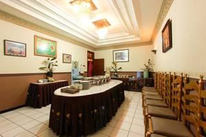 Vidi 1 Hotel Yogyakarta - Ruang makan