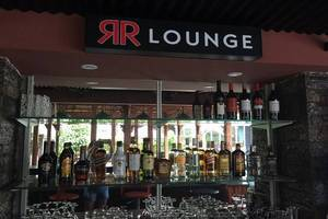 Alinson Boutique Resident Batam - Bar and Restaurant