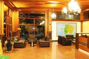 Green Tropical Village Hotel & Resort Belitung - Lobi