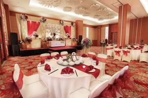 Swiss Belinn Manyar Surabaya - Ballroom