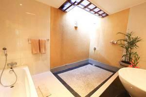 Natya Hotel Tanah Lot - Kamar Mandi