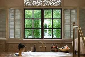 Hotel Majapahit Surabaya - Kamar mandi
