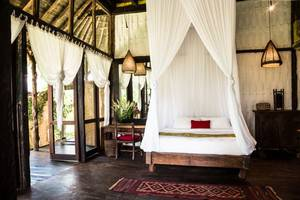 Bambu Indah Villa Bali - Elora (23/Dec/2013)
