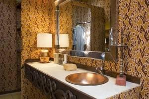 D Omah Hotel Yogjakarta - Kamar mandi