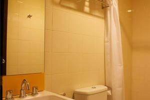Amaris Hotel Ambon - Room4