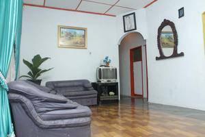 Kualanamu Guest House Medan - Ruang Tamu