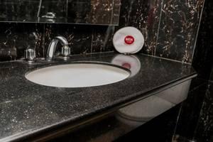 NIDA Rooms Cempaka Senen Market - Kamar mandi