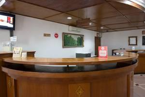 NIDA Rooms Cempaka Senen Market - Resepsionis