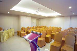 Fave Hotel Balikpapan - Meeting Room