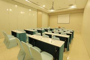 Hotel Roa Roa Palu - Ruangan Meeting