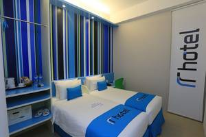 Hotel Roa Roa Palu - Kamar Deluxe Twin