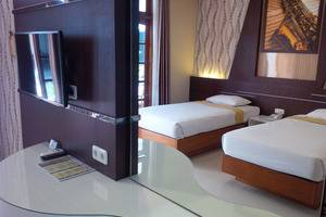 Kartika Abadi Hotel Madiun - Standard Twin Bedroom