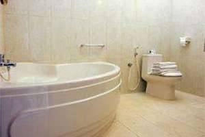 Febris Hotel Bali - Kamar mandi