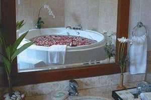Batu Belig Hotel Bali - Kamar mandi
