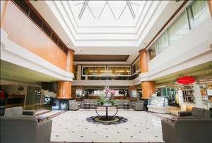 Verwood Hotel and Serviced Residence Surabaya - Lobby